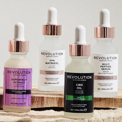 media/image/sq500-revolution-skincare-min8lfMcCthi2aka.jpg