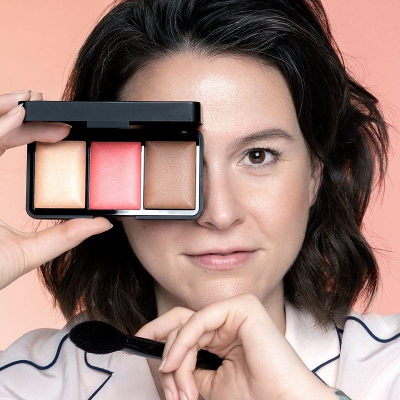 https://www.kosmetik4less.de/l.o.v-face-palette-l.o.v-x-laetitia-lemak-sculpting-glow-palette.html