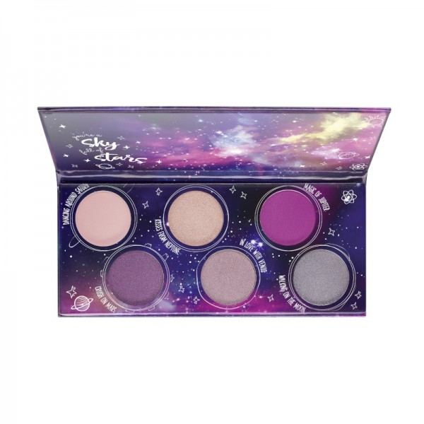 essence - Eyeshadow Palette - dancing on the milky way - galactic eyeshadow palette 01