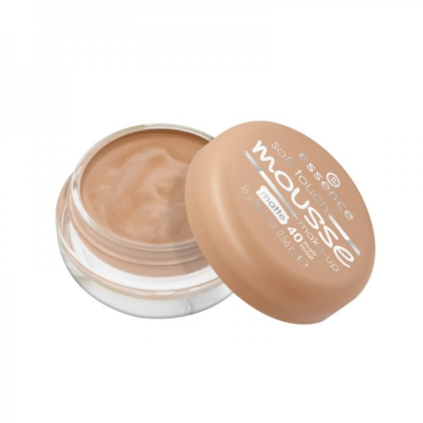 essence - Foundation - soft touch mousse make-up 40